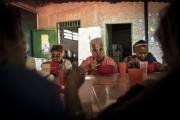 """CARACAS, VENEZUELA- NOV, 2018: Chaque vendredi, elles sont nombreuses les """"abuellas"""", les grand-mères à venir profiter d'une soupe gratuite distribuée par l'association de Don Bosco. (Picture by Veronique de Viguerie/Reportage by Getty Images)"""