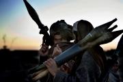 Deux combattants de Mollah Momin discutent de la stratégie à mettre en place contre les américains dans la province de Ghazni.