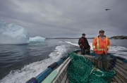 BONAVISTA, NEWFOUNDLAND-JUNE, 2014: Ed Kean et Philip Kennedy cherchent un iceberg pour leur eau potable durant la mission dans la baie de Bonavista, a Terre Neuve. Ed Kean and Philip Kennedy are looking for an iceberg in Bonavista Bay. (Picture by Veronique de Viguerie/Reportage by Getty Images).
