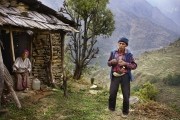 SIMIGAON, NEPAl-APRIL, 2015: Les retraités de l'Everest comme Pasang Norbu ne touchent aucune compensation.Simigaon 2000m(Picture by Veronique de Viguerie/Reportage by Getty Images)