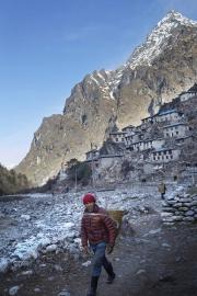 BEDING, NEPAl-APRIL, 2015: La ville de Beding, 3690m construite sur le flanc du Mont Gaurishankar qui culmine à 7135m. (Picture by Veronique de Viguerie/Reportage by Getty Images)