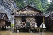 Hpa An, Birmanie- Juin, 2015: Petit village pour les mineurs des carrières. (Picture by Veronique de Viguerie/Reportage by Getty Images)