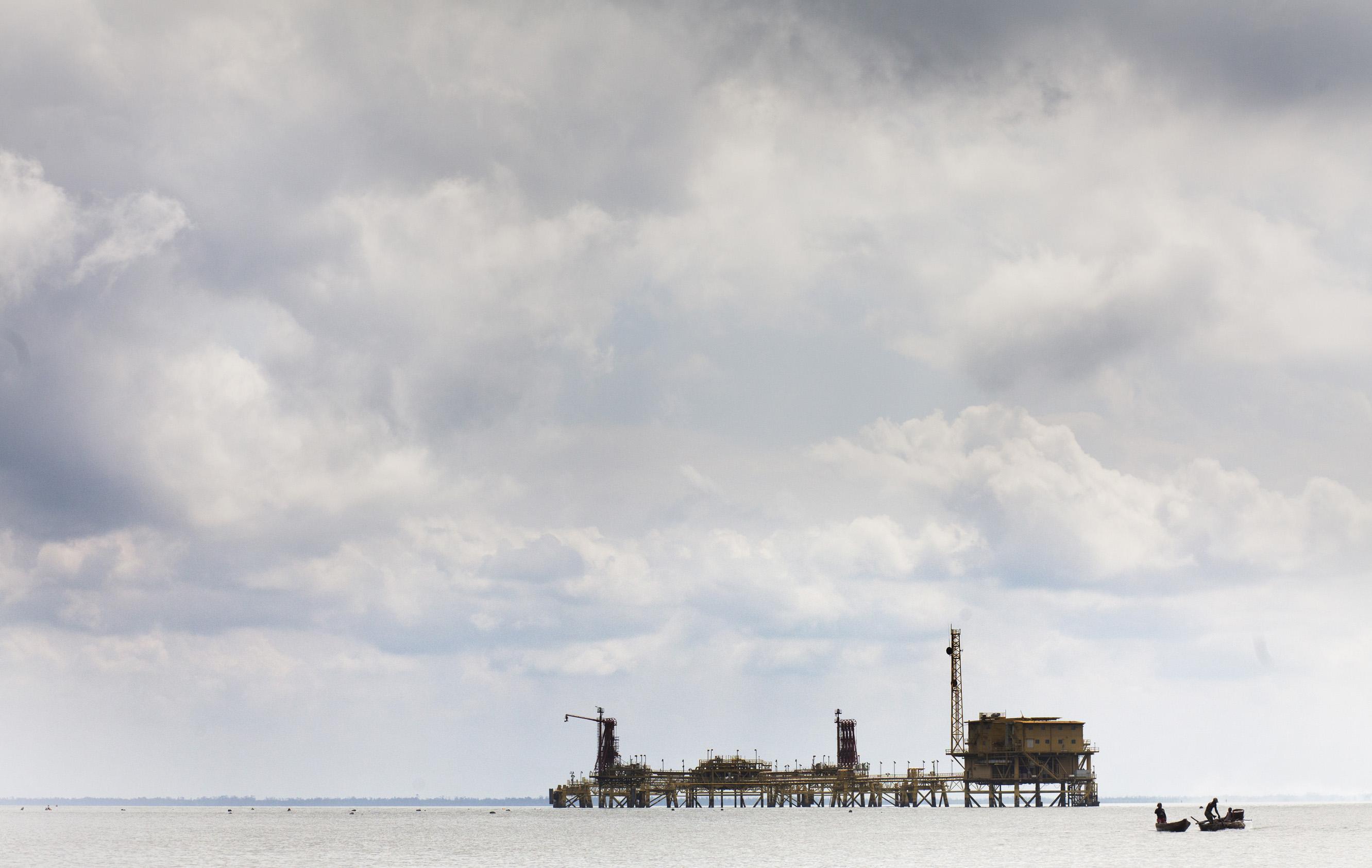 The Oil War, Niger Delta • Exhibition | VERONIQUE DE VIGUERIE