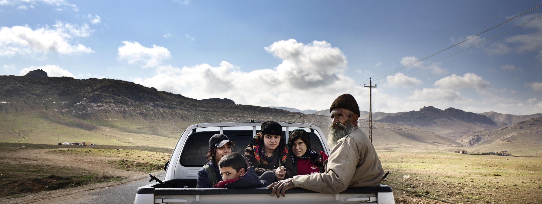 SINJAR, KURDISTAN, IRAQ- FEBRUARY, 2016: Les combattantes du YBS dont font parti beaucoup de Yezidies comme Shilan (à gauche) partent vers la ville de Sinjar. (Picture by Veronique de Viguerie/ Reportage by Getty Images )