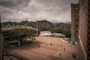 CARACAS, VENEZUELA- NOV, 2018: Université Metropolitan à Caracas, qui fait les élites futures du pays longe un énorme bidonville (Picture by Véronique de Viguerie/Reportage by Getty Reportage)