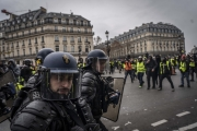 PARIS, FRANCE - DECEMBER 15: Clashes between the police and the Yellow Vests at Opera, on December 15, 2018 in Paris, France. The protesters gathered in Paris for a 5th weekend despite President Emmanuel Macron's recent attempts at policy concessions, such as a rise in the minimum wage and cancellation of new fuel taxes. But the 'Yellow Vest' movement, which has attracted malcontents from across France's political spectrum, has shown little sign of slowing down. (Photo by Veronique de Viguerie/Getty Images)