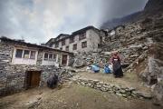 BEDING, NEPAl-APRIL, 2015: Traditionnellement les sherpas sont éleveurs de Yaks et cultivateurs de patates. Beding 3700m(Picture by Veronique de Viguerie/Reportage by Getty Images)