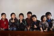 KATMANDOU, NEPAl-APRIL, 2015: Tchawar Sherpa (pull rouge sur le lit) est interne à Kathmandou. Il y a quelques mois il vivait encotre avec sa mère Pem-Cheki,et  un de ses grands frères, Dawa Tachi à Simigaon. Une ONG sherpa a proposé à sa mère de le sponsorisé pour qu'il aille à l'école à Kathmandou. (Picture by Veronique de Viguerie/Reportage by Getty Images)