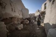 """Bienvenue en territoire Taliban. Une partie du Wardak au sud  de Kaboul est totalement administrée par les Taliban. Une maison détruite par un drône l'année passée tuant deux enfants. Ce genre """"d'accident"""" donne du grain à moudre aux Taliban qui veulent le départ de la Coalition."""