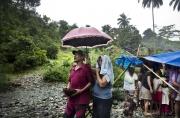SURIGAO, MINDANAO- JUNE, 2017: Craignant de se faire chasser par une exploitation minière, les Lumads qui sont animistes font une cérémonie au cours de laquelle ils sacrifient un cochon. Le prêtre implore les dieux d'éloigner les exploitations minières pour qu'ils puissent rester sur leur terres ancestrales et continuer de vivre avec la nature. Fearing to be kicked out by a mining exploitation, the Lumad who are animist are making a ceremony, scarificing a pig. The priest is asking the gods to keep away the mining exploitation so they can stay in their ancestral forest. (Picture by Veronique de Viguerie/Reportage by Getty Images)