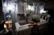 MANILA, PHILIPPINES - OCT, 2016: Kheila 7th is grieving her dad, Flor John. Flor John (34), drug user, was executed by some apparent policemen at his house on the 19th of October. He was the father of three and married with Rita Cruz.  (Picture by Veronique de Viguerie/ Reportage by Getty Images).