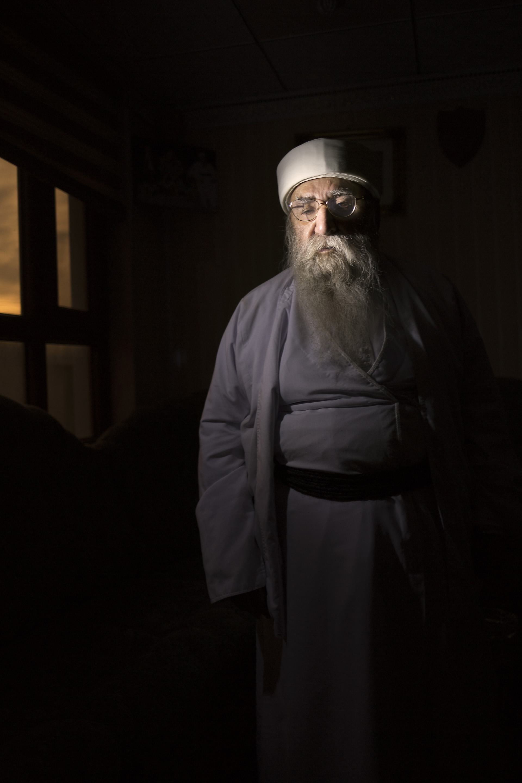 """LALESH, KURDISTAN, IRAQ- FEBRUARY, 2016: Le grand """"prêtre"""" Yézidi, Baba Sheikh qui a milité pour que les rescapees de Daesh soient bien accueillies de retour dans leur communauté. (picture by Veronique de Viguerie/ Reportage by Getty Images )"""